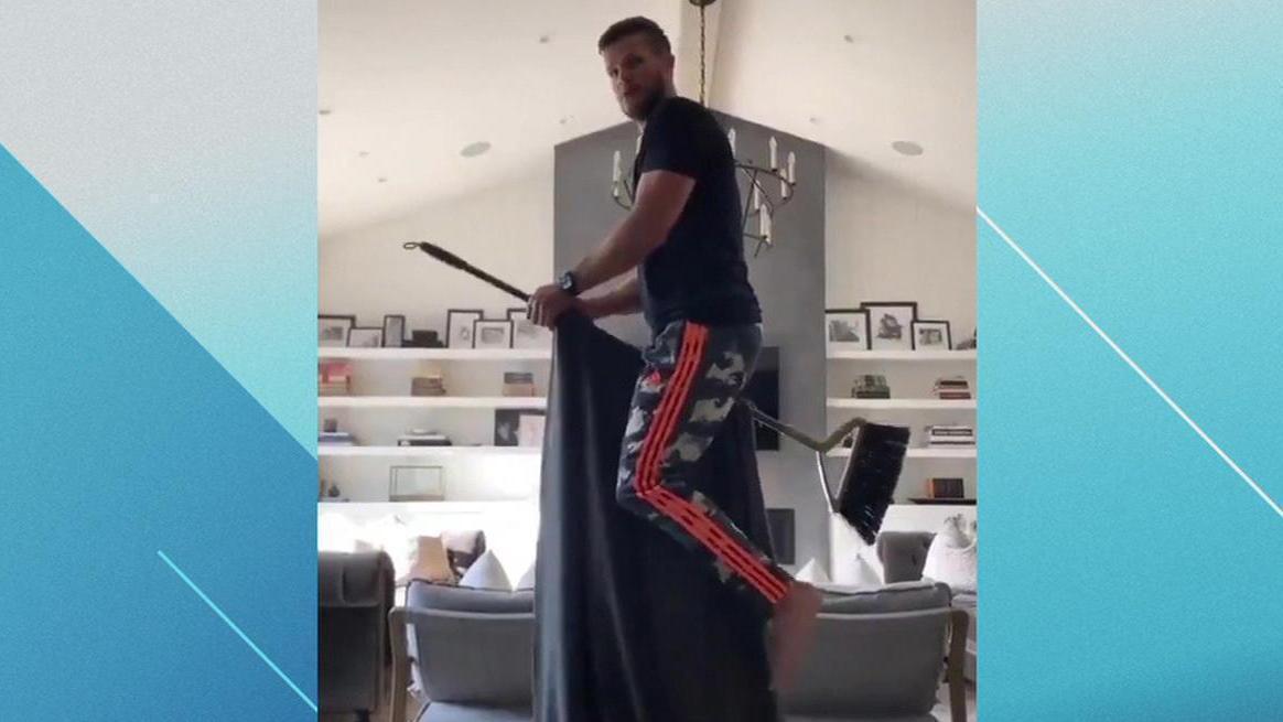 Former NHLer Kevin Bieksa channels his inner Harry Potter