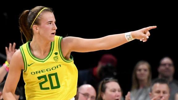 Geno Auriemma breaks down Sabrina Ionescu's off-the-ball skills