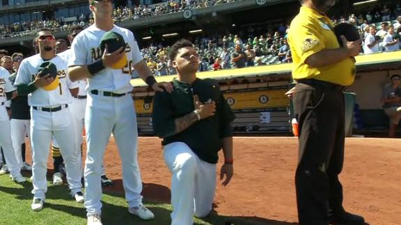 Bruce Maxwell believes kneeling has kept him out of MLB