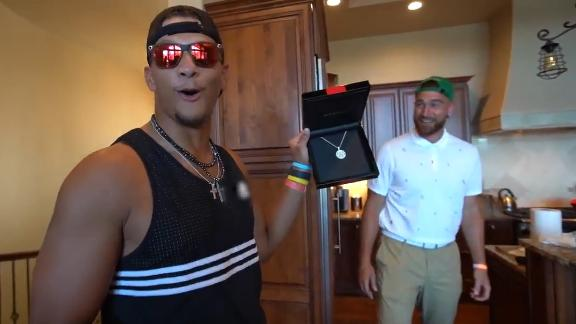 Travis Kelce welcomes Patrick Mahomes back to the Madden 99 club