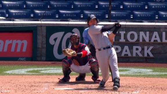 Voit ties things up for the Yankees