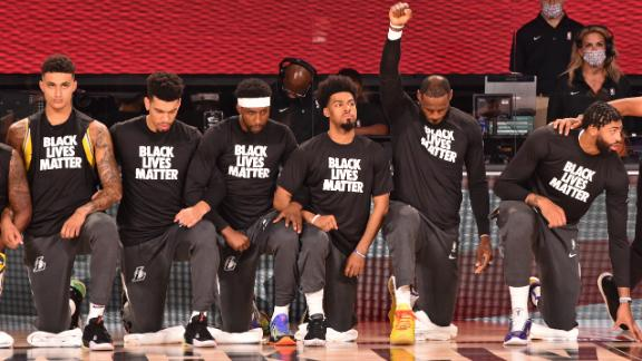 Lakers, Clippers kneel for national anthem