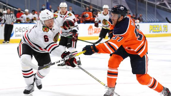 McDavid nets the Oilers' first playoff goal
