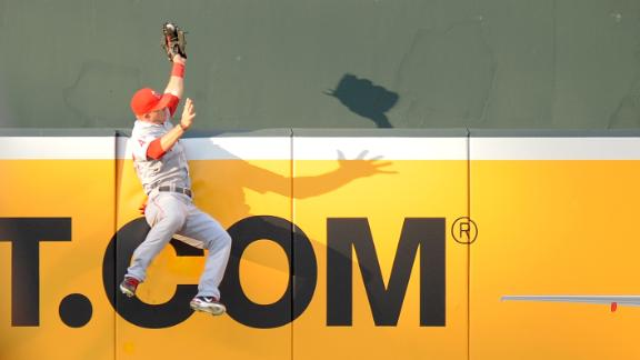 Flashback: Mike Trout's incredible home run robbery