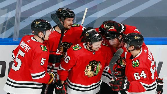 Blackhawks stay alive with win over Knights in Game 4