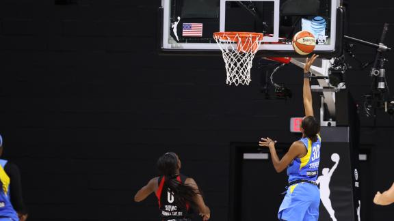 Azura Stevens' late bucket gives Sky win over Aces