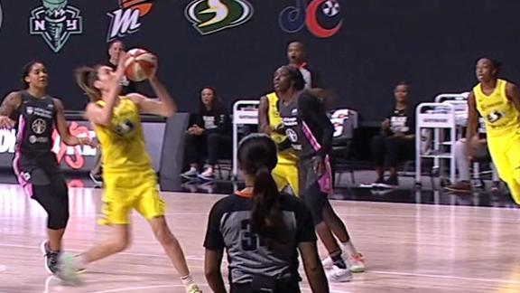 Stewart drops in basket in transition