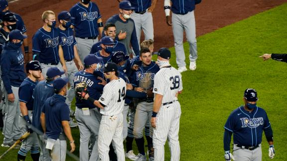 Benches clear at end of Yankees-Rays