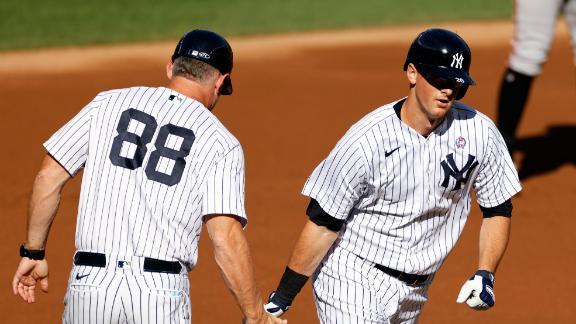 Yankees use long ball to take Game 1