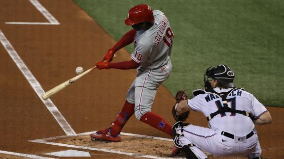 Gregorius 2-run shot extends Phillies' lead