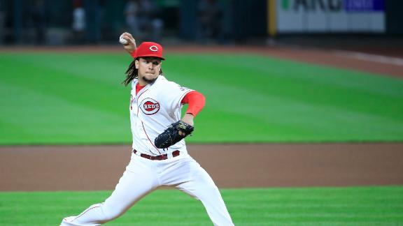 Castillo, Reds shut out Pirates for fifth-straight win