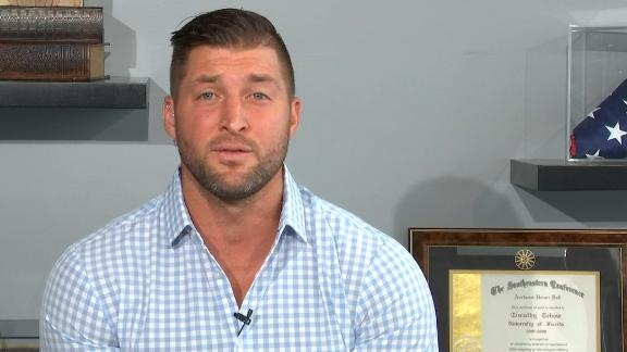 Tebow predicts who can give Alabama, Clemson a run for their money