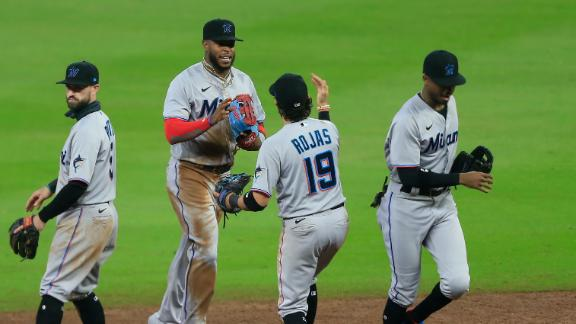 Marlins clinch playoffs with 10th-inning win vs. Yankees