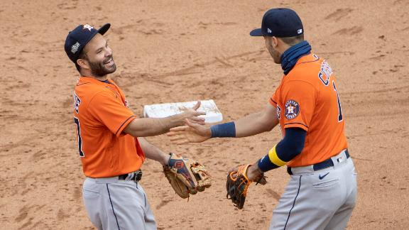Twins implode in ninth, set record with 17th straight playoff loss