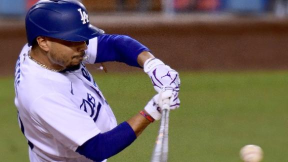 Betts's double increases Dodgers' lead