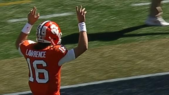 Trevor Lawrence dominates with 5-TD first half