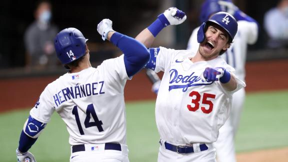 Bellinger struts to first on tiebreaking homer