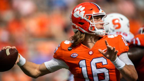 Lawrence, Clemson overcome slow start to remain undefeated