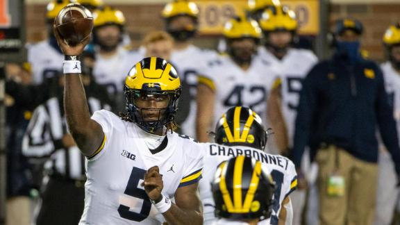 Milton leads Michigan with two TDs in win vs. Minnesota