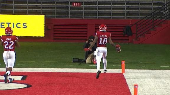 What exactly is going on in this overturned Rutgers TD?