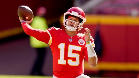 Mahomes dazzles with 5 TDs in win over Jets