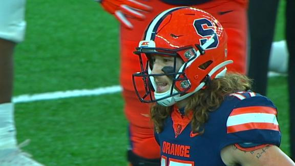 Syracuse loses game after spiking it on 4th down