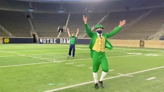 Notre Dame mascot makes unbelievable trick kick