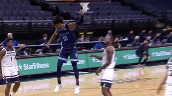 Morant delivers monster slam on baseline