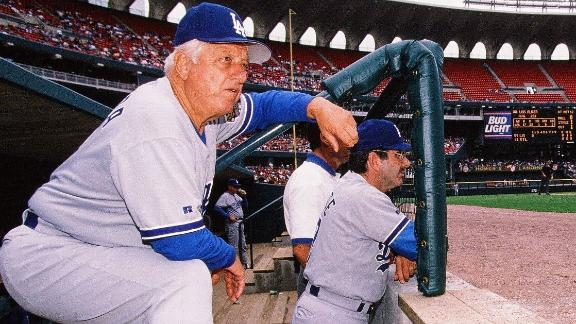Remembering Dodgers icon Tommy Lasorda