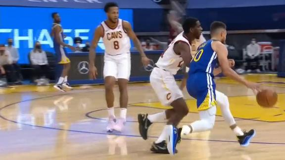 Steph steps back and drains 3-ball