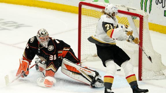 Golden Knights win in OT with Karlsson's trick shot
