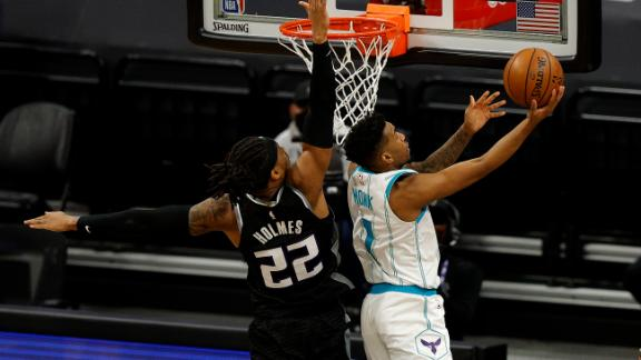 Hornets storm back with furious rally to shock Kings