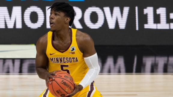 Marcus Carr comes up clutch for Minnesota