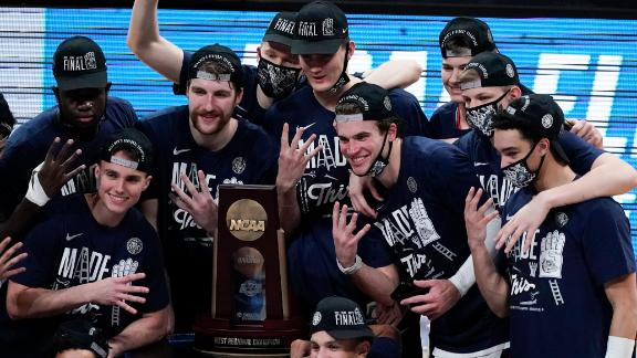 Gonzaga remains undefeated, advances to Final Four