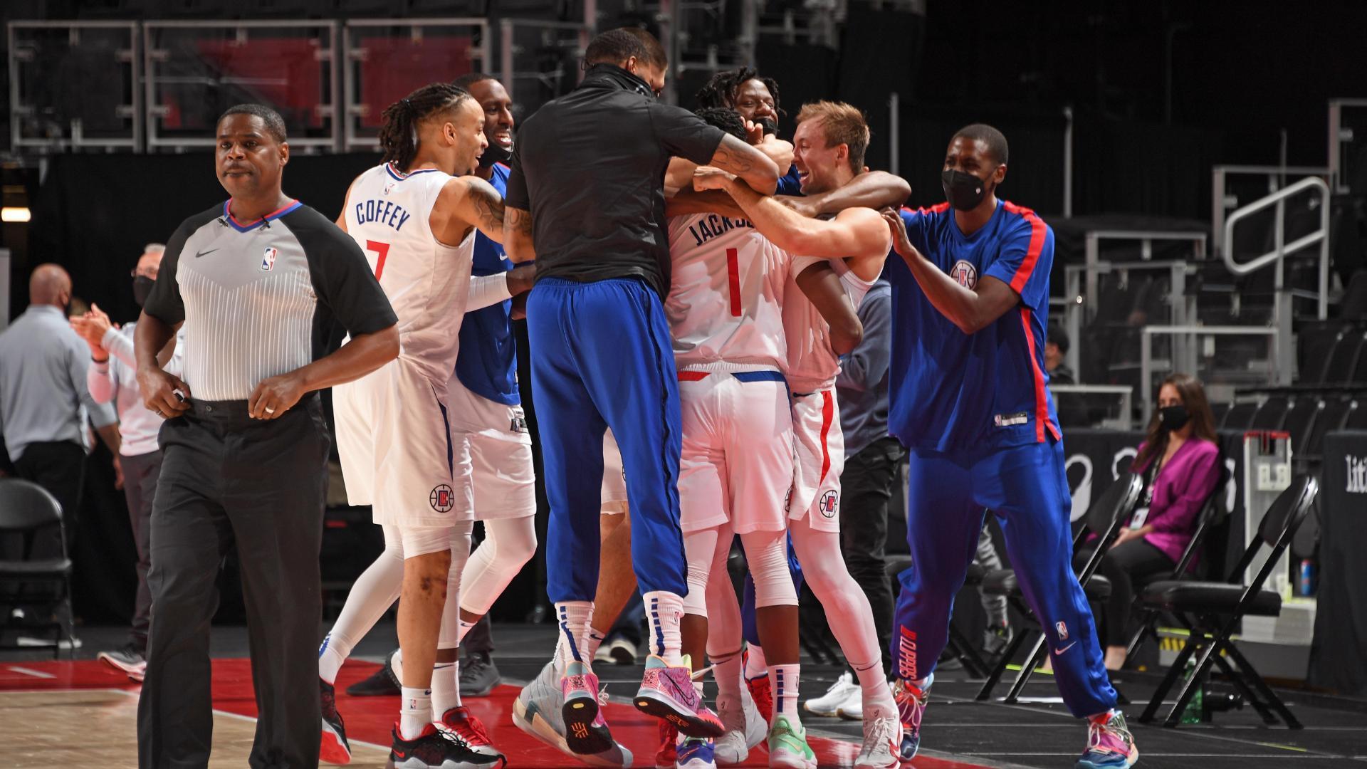 Jackson sinks game-winning shot in return to Detroit