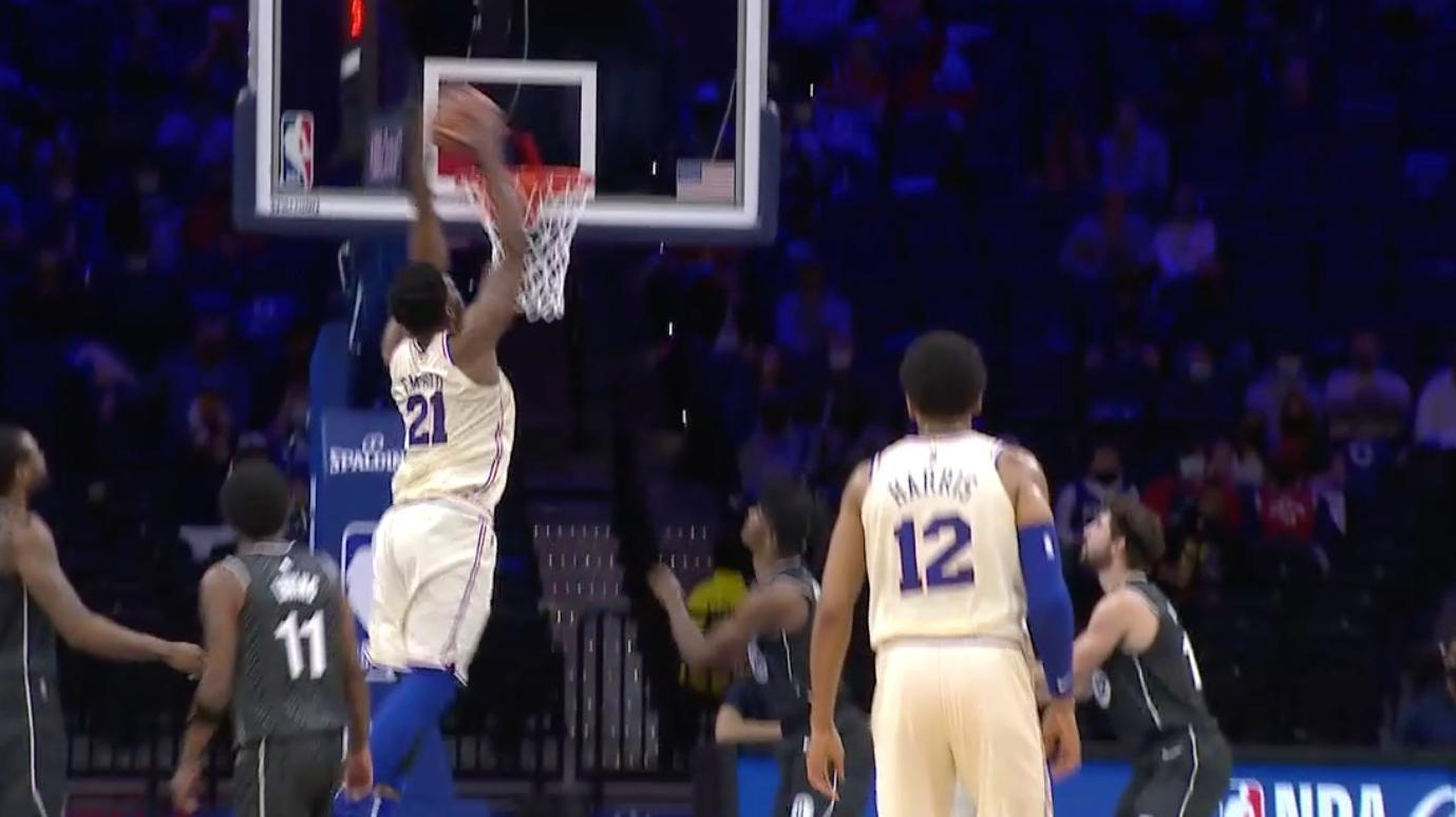 Embiid fakes defender for big finish at the rim