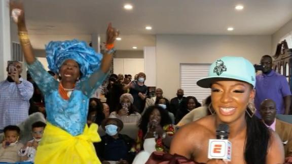 Dancing grandma highlights fun night at WNBA draft