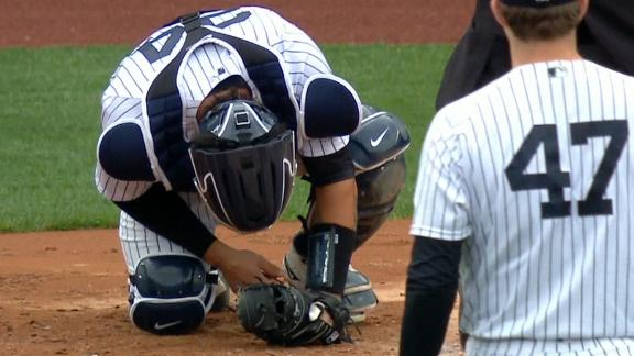 Sanchez exits after taking foul ball off his hand