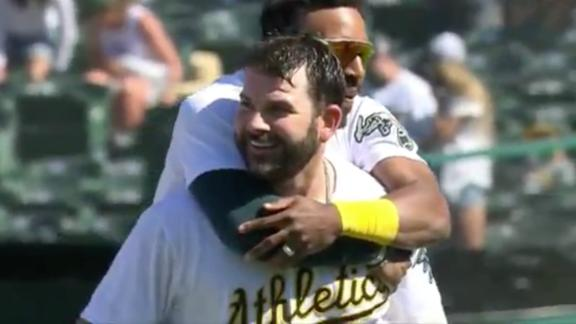 A's walk it off to complete 4-game sweep of Tigers
