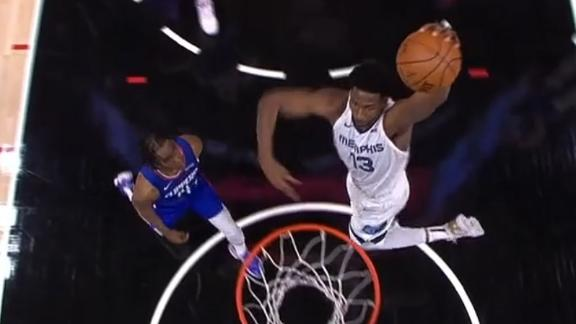 Jackson throws down massive slam in first game back from injury