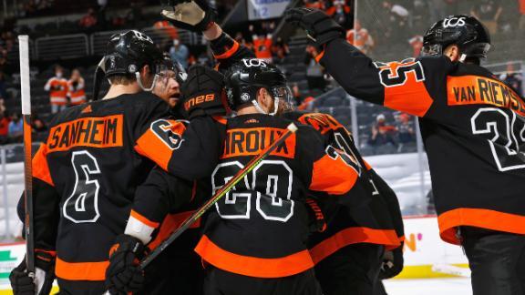 Giroux's late heroics lead Flyers' comeback win
