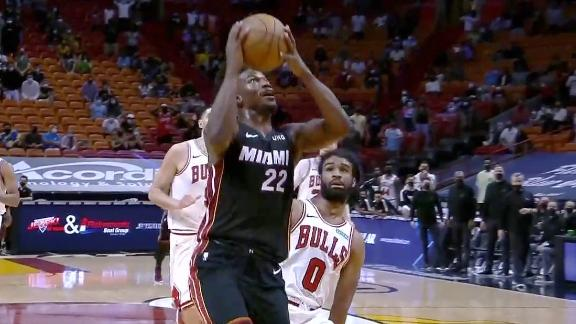 Butler misses an easy layup that would've cut Bulls' lead to two