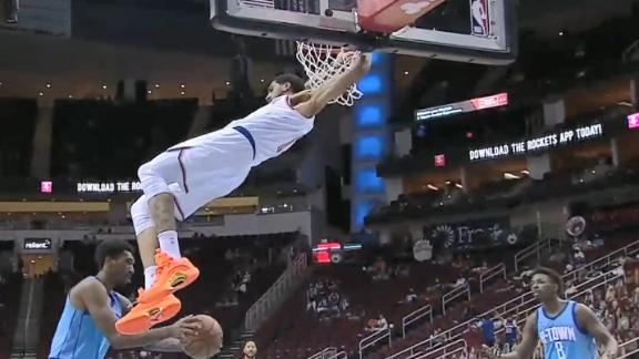 Toppin soars for an impressive dunk