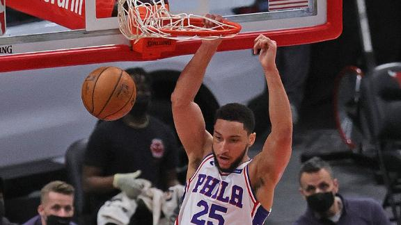 Ben Simmons slams down lob from Seth Curry