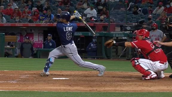 Lowe cranks 416-foot three-run homer to put Rays on top