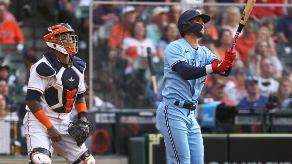 Biggio cranks 2-run homer vs. Astros