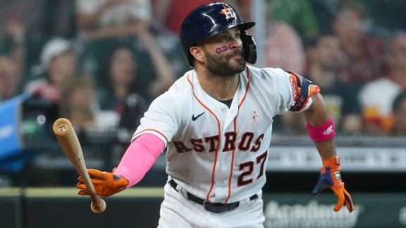 Altuve tees off for solo homer