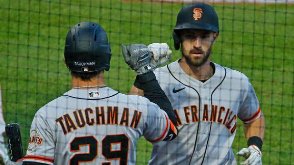 Giants score all their runs in the 5th for win