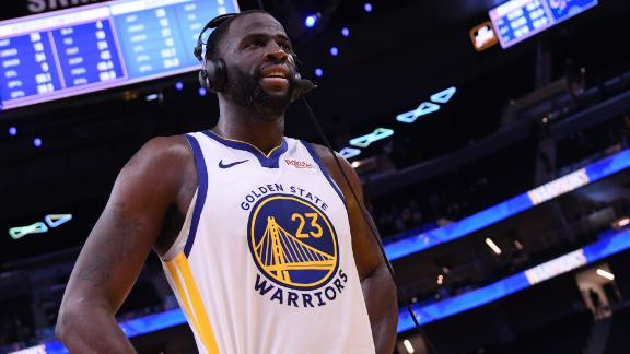 Draymond's reaction to having centers thrown at him is straight fire