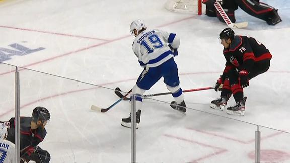 Barclay Goodrow squeezes one in to lift Lightning in Game 1